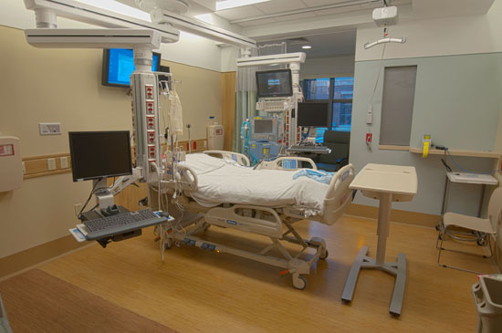 There are 30 Heart and Vascular Critical Care (HVCC) and progressive care rooms each equipped with state of the art technology to care for the most critically ill patients and intermediate care when intensive care is no longer needed, as well as comfortable accommodations for families.